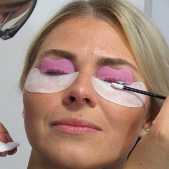Neyes Cursus wimperlifting Training
